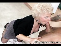 Mature teacher Mrs. Jewell sucks art model hunk in granny tube porn
